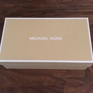 Michael Kors Ashby flex mid pump